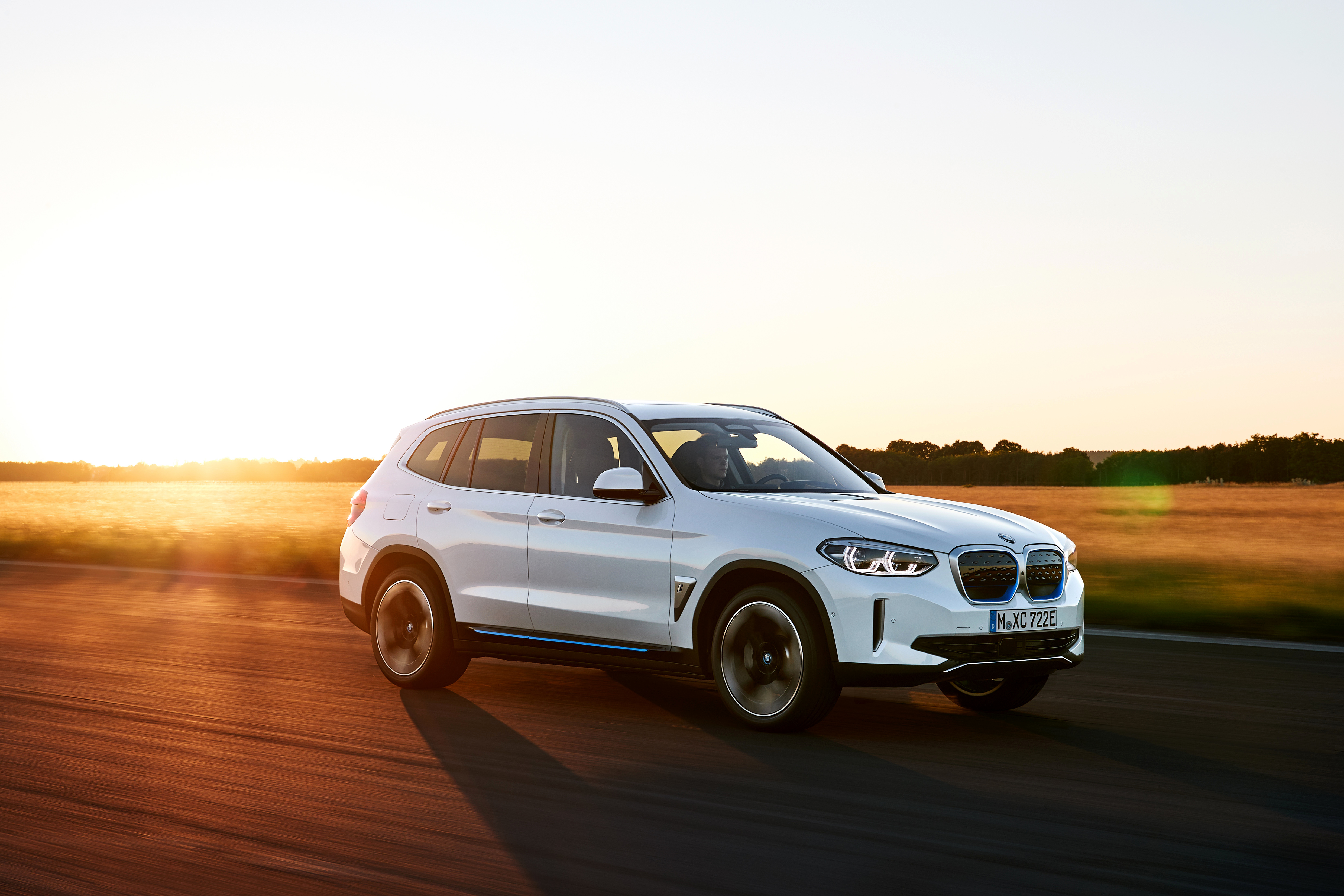 P90392964_highRes_the-first-ever-bmw-i-2