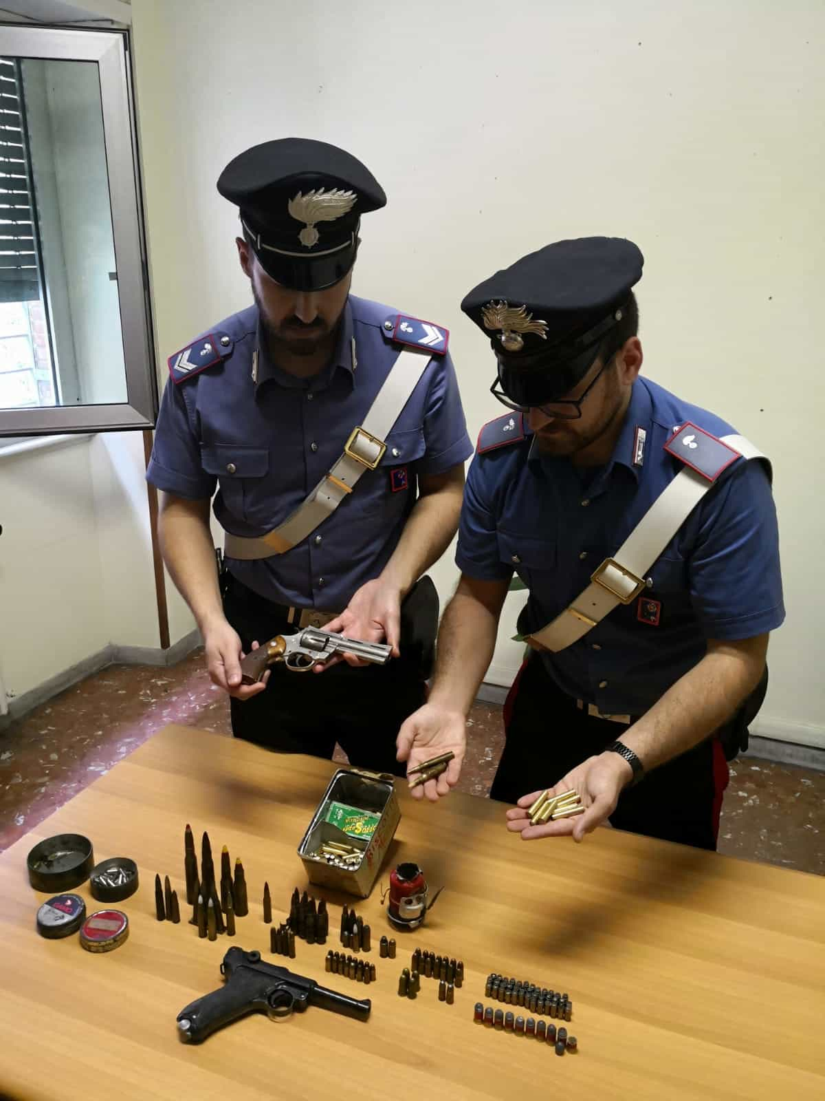 Le armi sequestrate dai Carabinieri (1) (1)-2