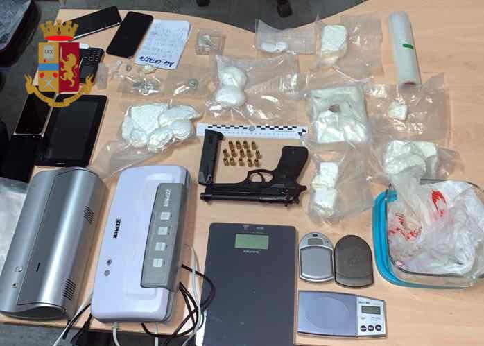 Cocaina e pistola Albano Laziale 2-2