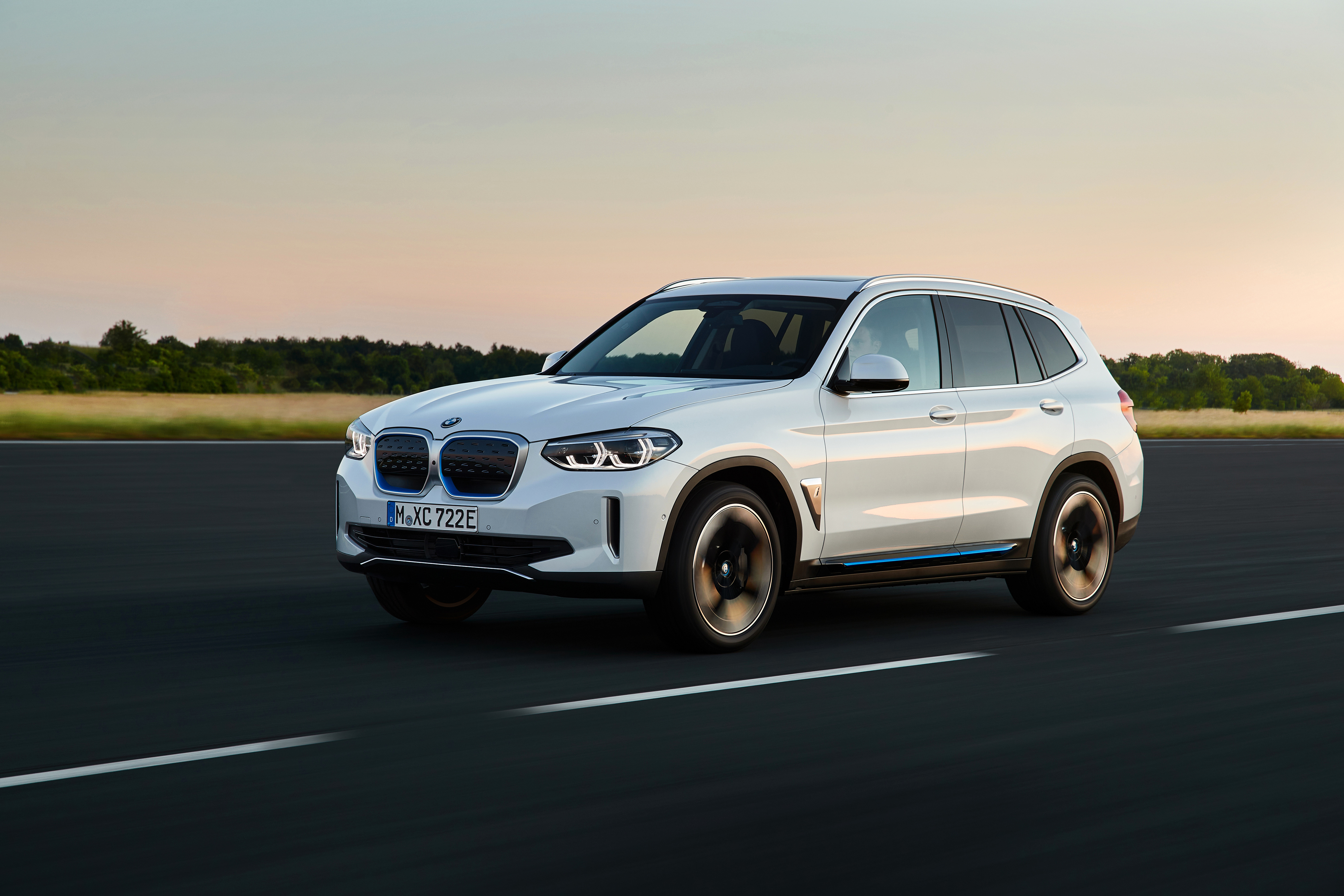 P90392966_highRes_the-first-ever-bmw-i-2