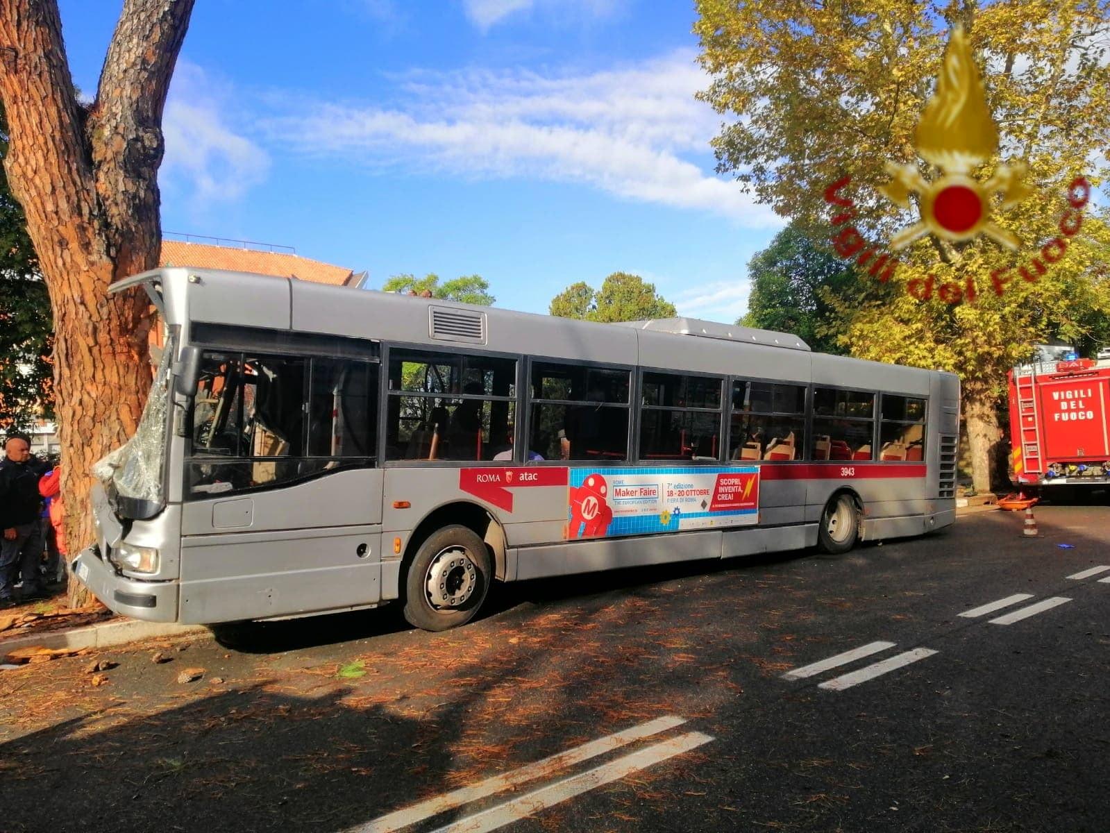 Incidente bus via Cassia 16.10.19 2-2-2