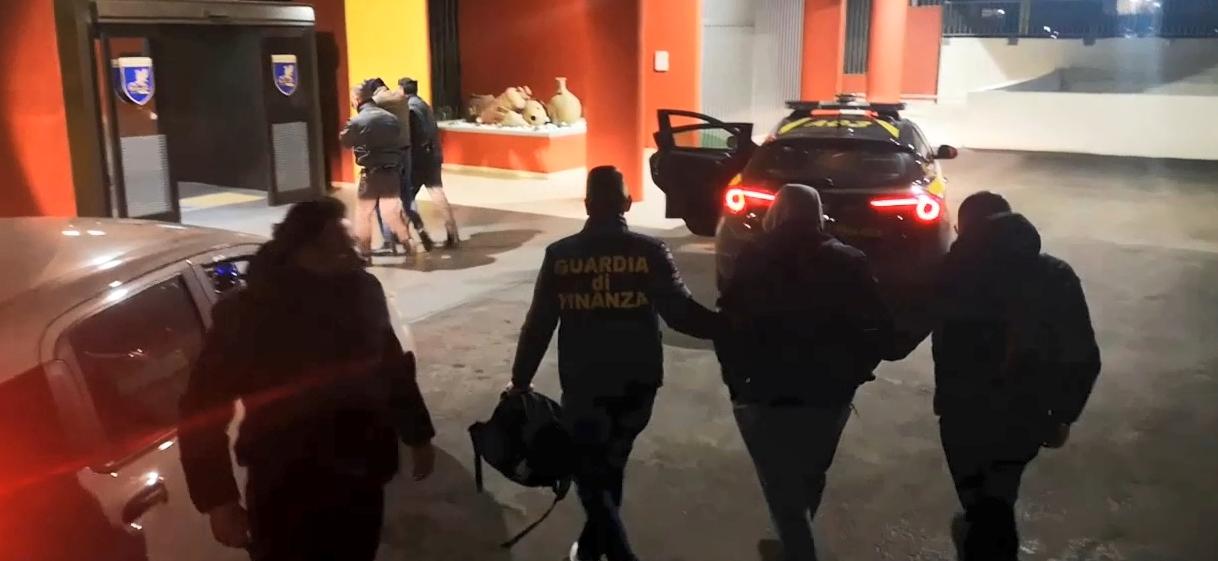 Arresti finanza-2