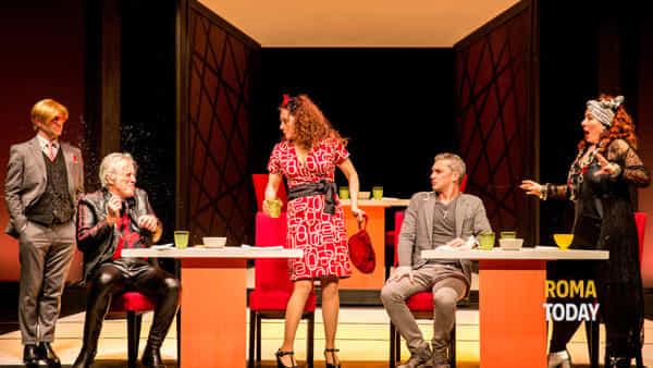 Terapia e risate sul palco del Teatro Vittoria con Terapia di gruppo