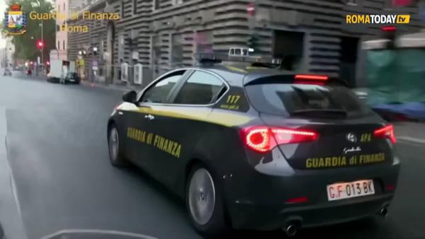 VIDEO | Magazzino made in Cina, sequestrati oltre 12mila capi di abbigliamento