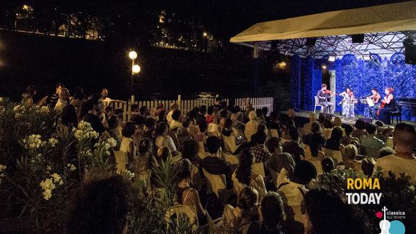 """Concerti e spettacoli teatrali, continua in agosto la """"cultura"""" Bryaxis sul Lungotevere"""