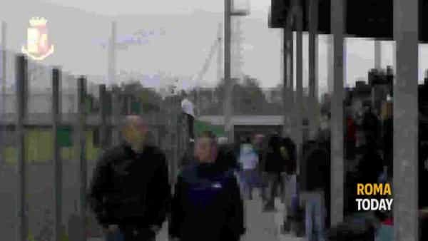 VIDEO | Daspo ai tifosi dell'Ostiamare, le immagini della Questura dallo stadio dei biancoviola