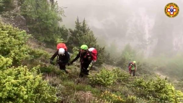 Ventisei ore nella gola della montagna: cinque escursionisti romani recuperati sulla Majella