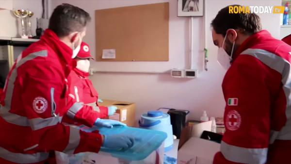VIDEO | Resto a casa, ovvero in strada: l'emergenza Coronavirus tra gli ultimi