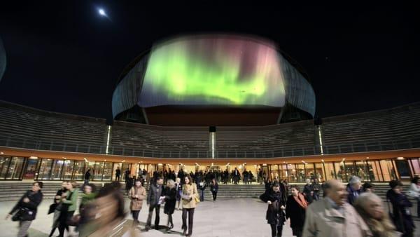 L'aurora boreale nel cielo di Roma: così la Città Eterna rivive l'evento del 1859