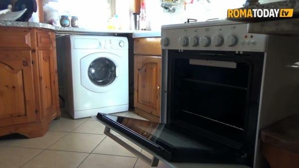 Case del Comune al gelo, a Villa Gordiani gli anziani si scaldano con il forno della cucina