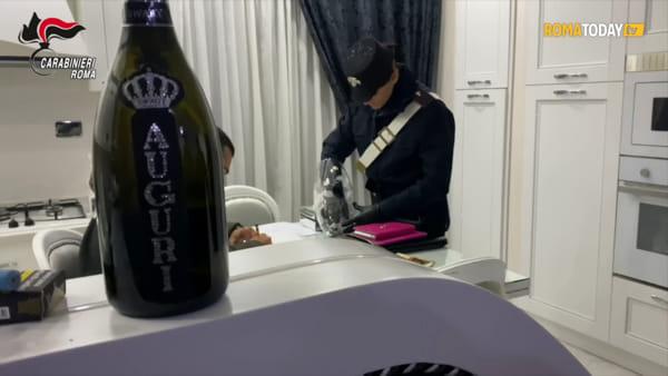 VIDEO | Soldi e droga nascosti, lo spaccio del Principe di Tor Bella Monaca. Le immagini del biltz