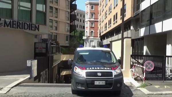 VIDEO | Omicidio Cerciello Rega, cinque ore di rilievi dei Ris nella stanza d'albergo dei due americani