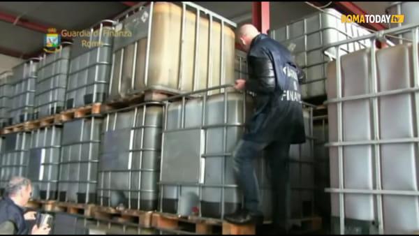 VIDEO | Un camion cisterna per trasportare il cherosene di contrabbando