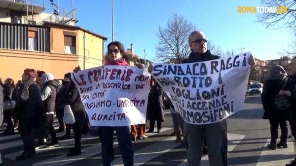 """Case del Comune senza riscaldamenti, la rabbia di Torre Maura contro la sindaca: """"Raggi moriamo di freddo"""""""