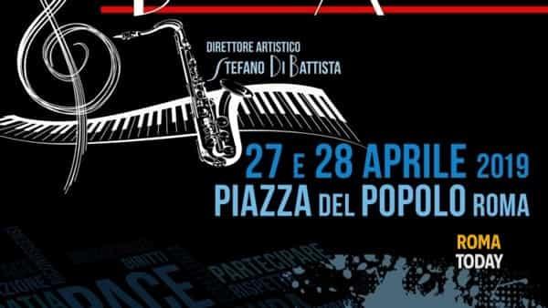 """""""Pe' strada"""" per Emergency: musica e parole a braccia aperte in piazza del Popolo"""