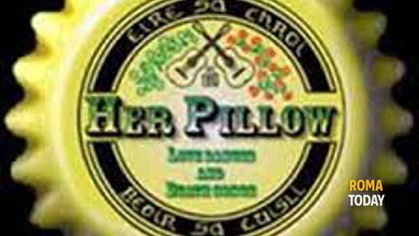 Her Pillow in concerto