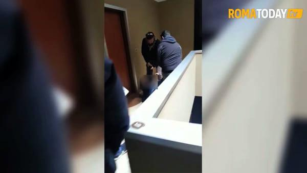 VIDEO | Truffato due volte, arriva il giorno dello sfratto. Hamid e la sua famiglia ora sono in mezza ad una strada