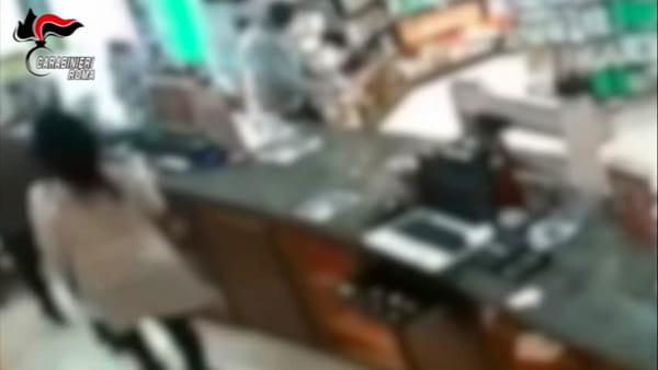VIDEO   La rapina in farmacia della banda fratelli, le immagini delle telecamere