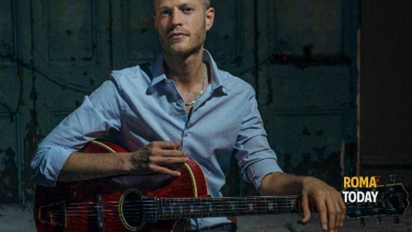 Rotem Sivan, la chitarra jazz che fa impazzire New York dal vivo all'Elegance Cafè