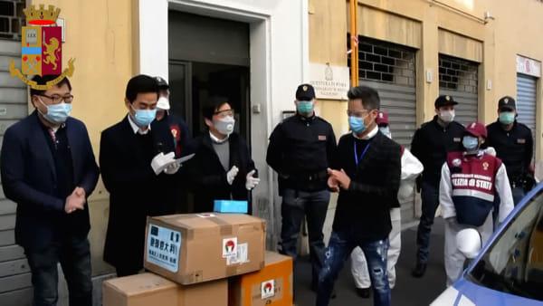 Esquilino, l'associazione giovani cinesi in Italia dona 3500 mascherine alla Polizia di Stato