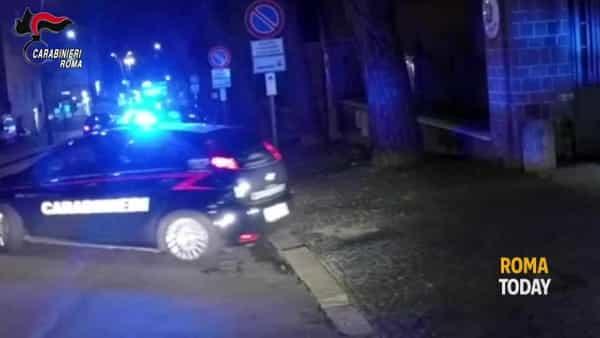 VIDEO | Spaccio a Tor Bella Monaca: i controlli dei carabinieri nel quartiere, 5 arresti