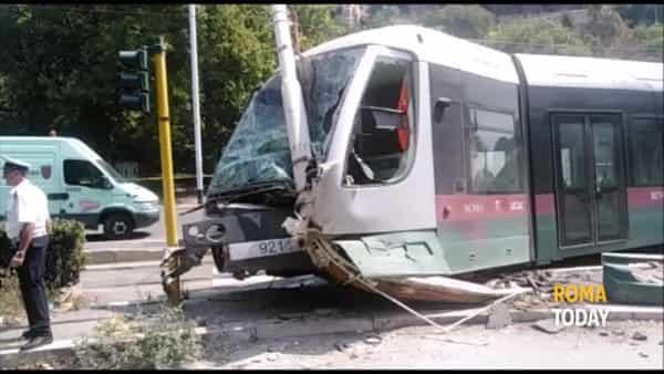 VIDEO | Tram si scontra con un'auto: il luogo dell'incidente