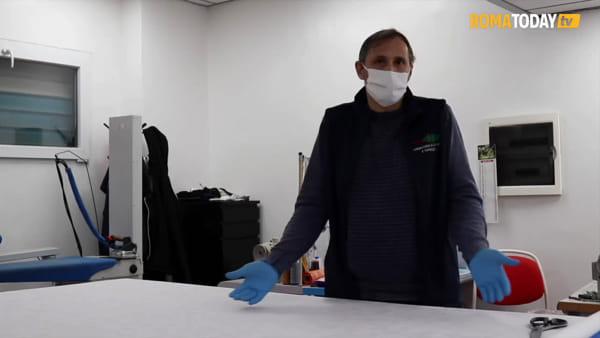 VIDEO | Mascherine gratuite contro la paura da Coronavirus, l'iniziativa solidale di un sarto di periferia