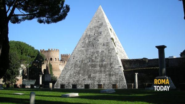 Apertura straordinaria della Piramide Cestia
