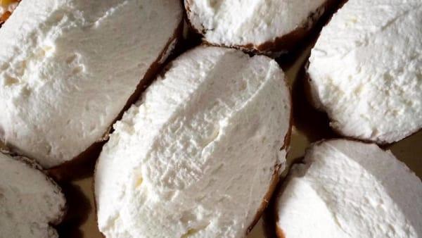 """Maritozzo Day 2019, la festa """"diffusa"""" celebra il dolce romano: assaggi in tutta la città"""