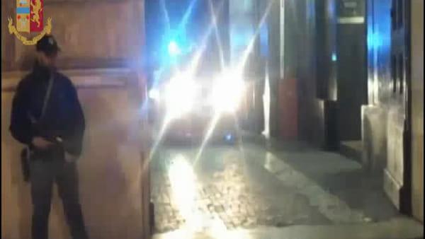 VIDEO | Lorenzo Marinelli e Daniel Bazzano arrestati per il ferimento di Manuel Bortuzzo, le immagini