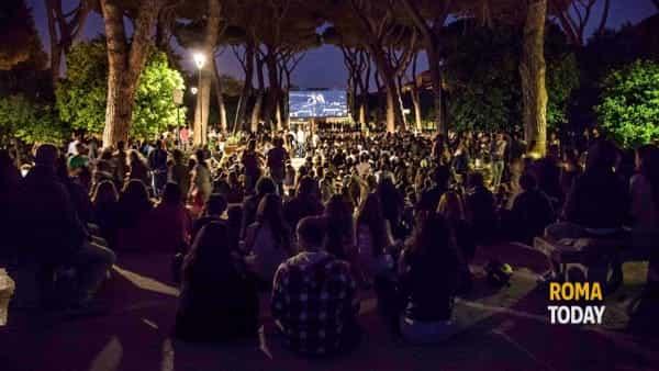 Il grande cinema sotto le stelle a Villa Lazzaroni