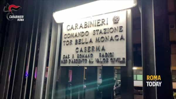 VIDEO | Rapina al Maury's di Tor Bella Monaca: le immagini delle telecamere di sicurezza