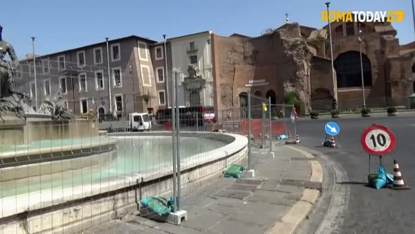 VIDEO | Piazza della Repubblica, dopo un anno torna l'acqua alla fontana delle Naiadi