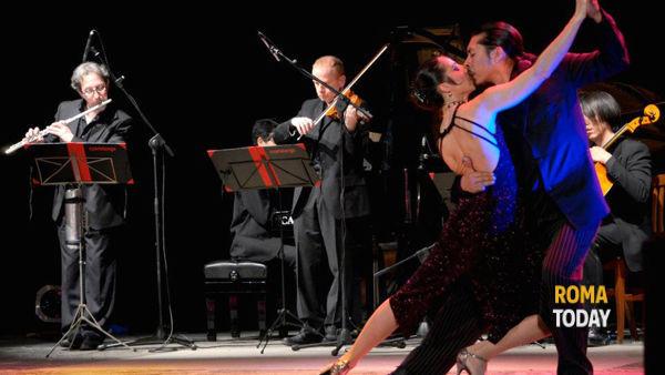Cortile S. Ivo alla Sapienza: Noche de Tango  con i danzatori e musicisti del CuarteTango Ensemble