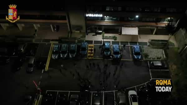 VIDEO | Operazione Mola, otto arresti per spaccio: sequestrati 156 chili di droga, le immagini
