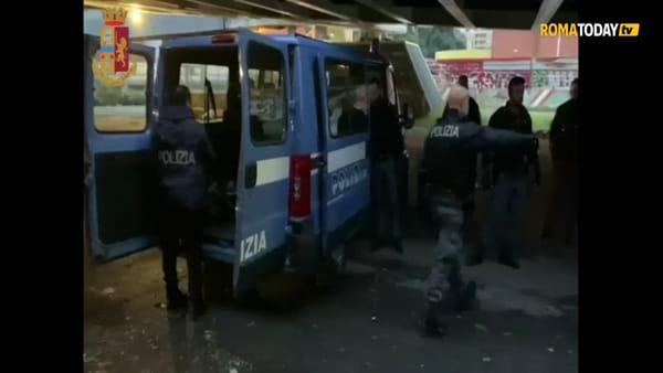 VIDEO | Le immagini del blitz della polizia agli ex Mercati Generali