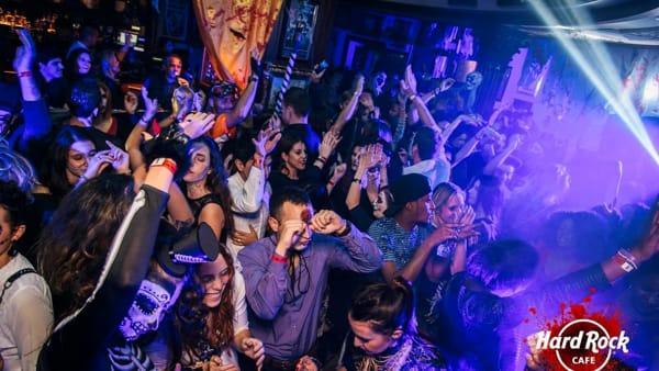 The rocking dead: Halloween all'Hard Rock Cafè