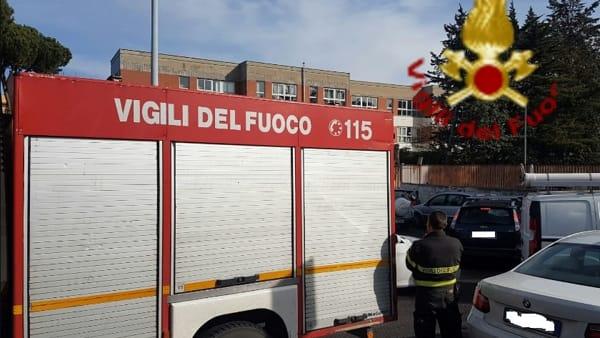 Tufello: fuga di gas scuola Monte Cardoneto, evacuati bambini