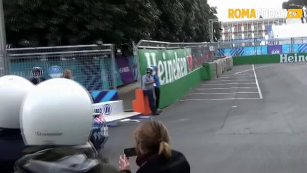 VIDEO | Formula E, Raggi sul circuito con la macchina elettrica. Giro di pista per la sindaca