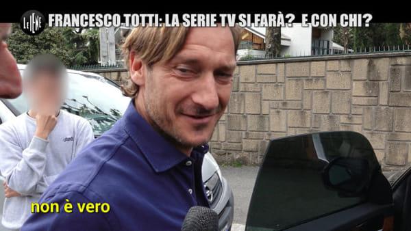 """Totti e la fiction sulla sua carriera: """"Non si fa"""". E poi propone Verdone"""