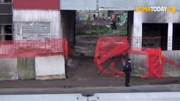 VIDEO | Sgombero ex Penicillina, alba blindata sulla Tiburtina: il ghetto però era già vuoto
