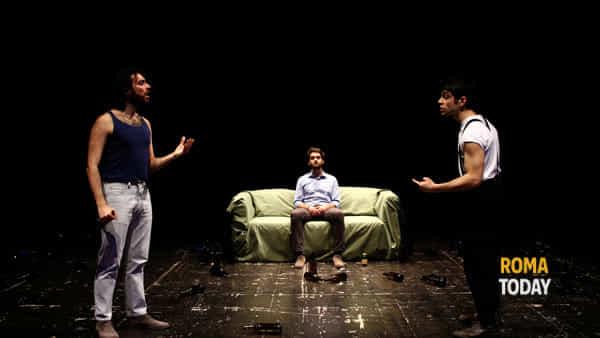 Sul divano, spettacolo al Teatro De' Servi