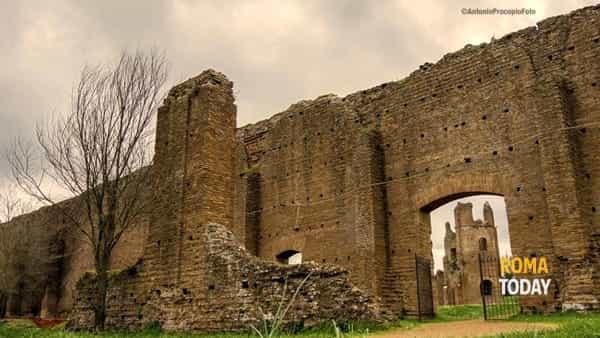 Le Bellezze della Via Appia Antica a piedi