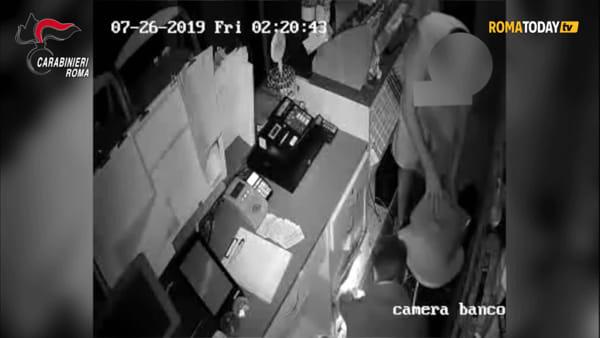 VIDEO | I colpi della banda del car sharing: le immagini delle telecamere di sorveglianza