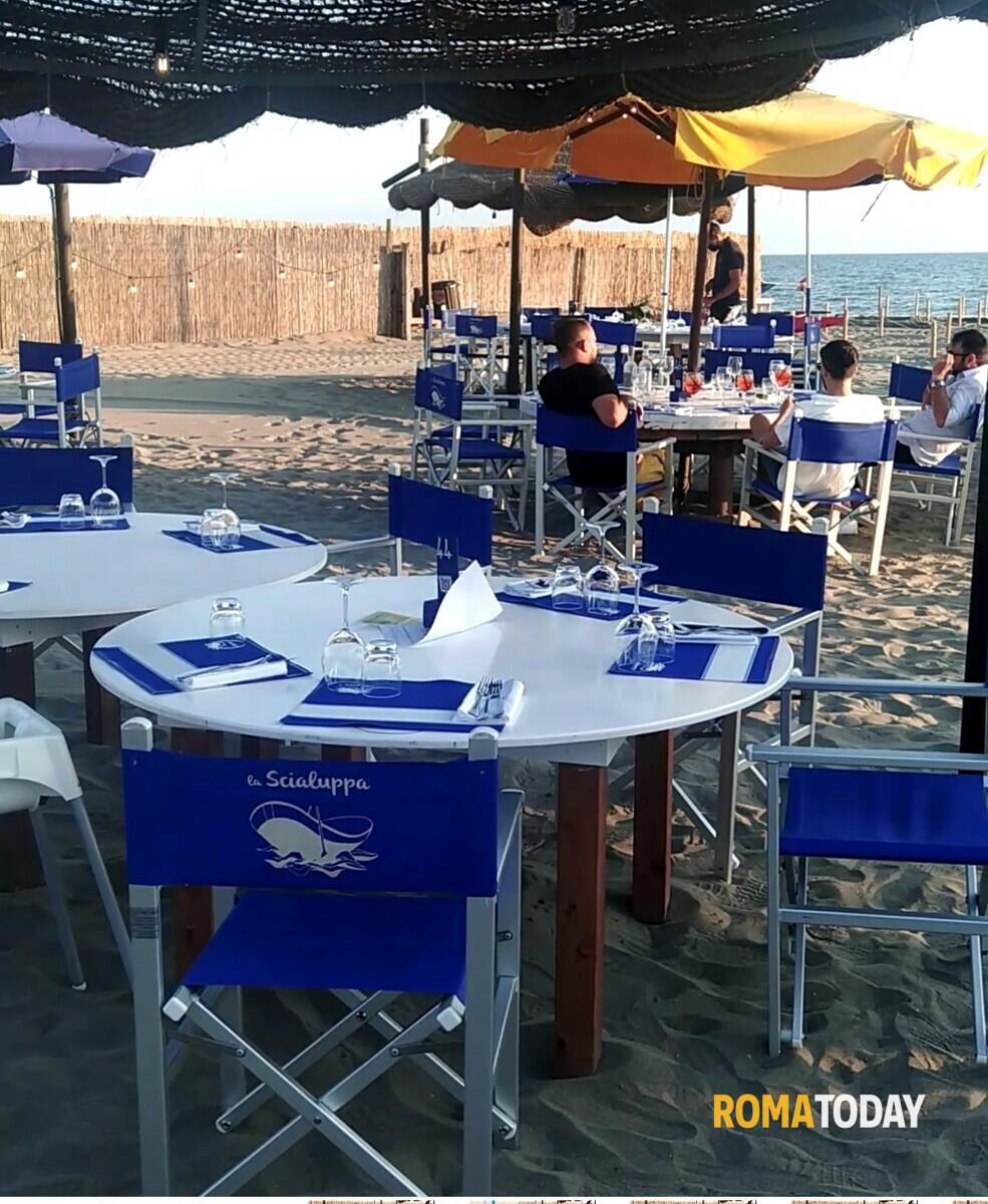 I piedi nella sabbia, il mare nel piatto: tradizione e innovazione si sposano nello storico ristorante di Fregene