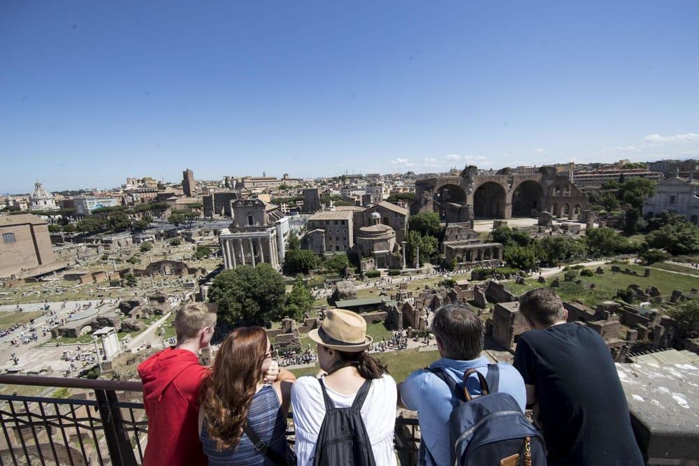 Tassa di soggiorno turistico, cambiano le regole: 3,50 ...