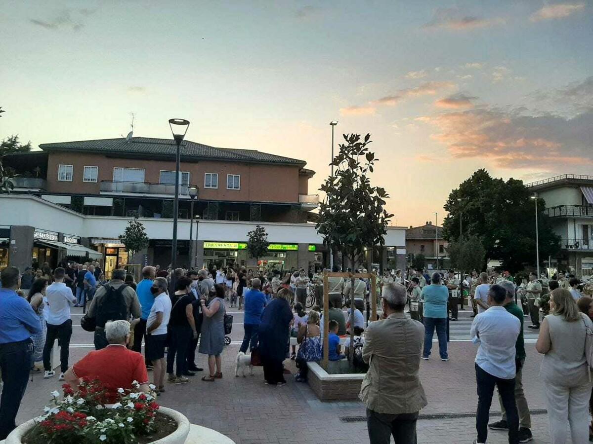 Il quartiere di Morena ha un cuore pulsante: in centinaia per l'inaugurazione della nuova piazza