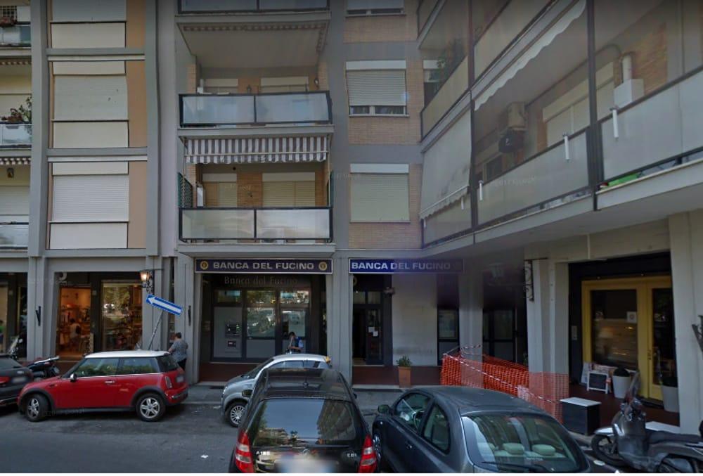 Ladri alla banca del Fucino di piazza Carli: rubato ...