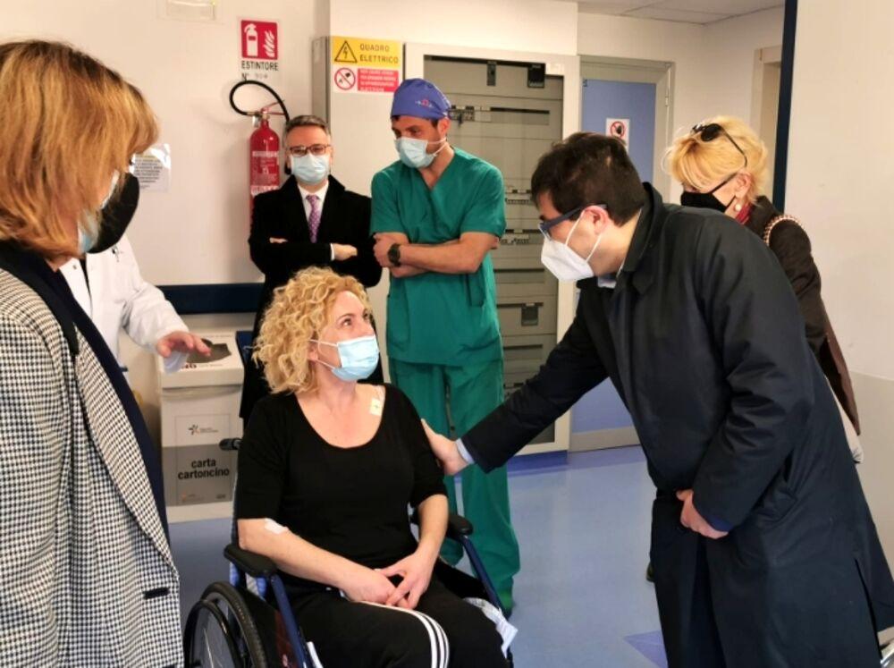 Eur, infermiera investita all'uscita della Nuvola dopo servizio vaccinale