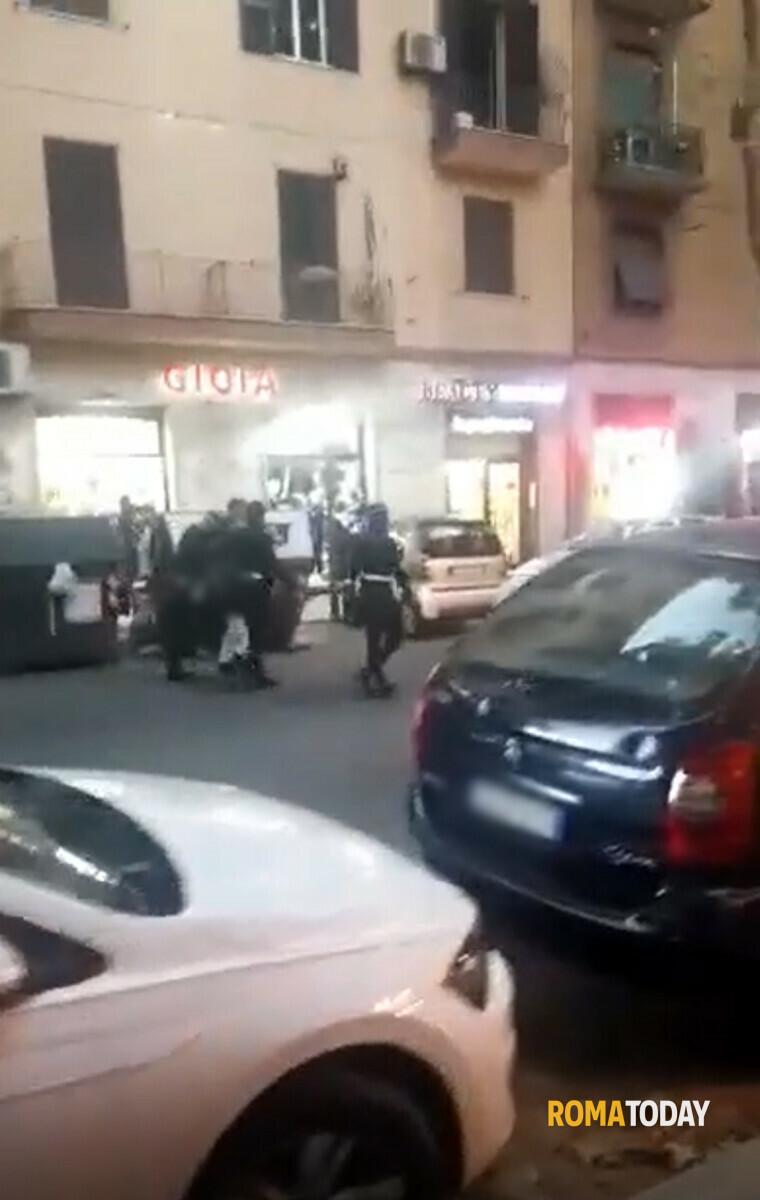 Torpignattara: atti osceni mentre i vigili soccorrono agente investita, arrestato Mustapha